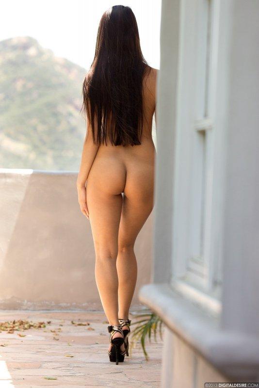 Голая кореянка с красивыми сиськами - фото