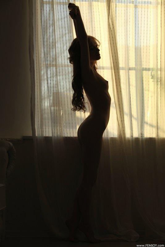 Худощавая красавица с плоскими сиськами - фото