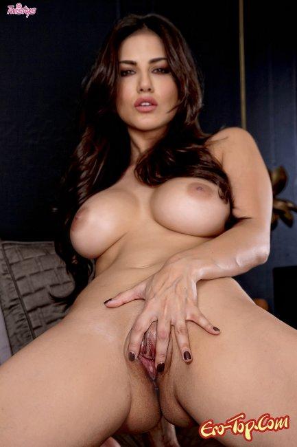 Sunny Leon - нескромная брюнетка с большой грудью. Фото.
